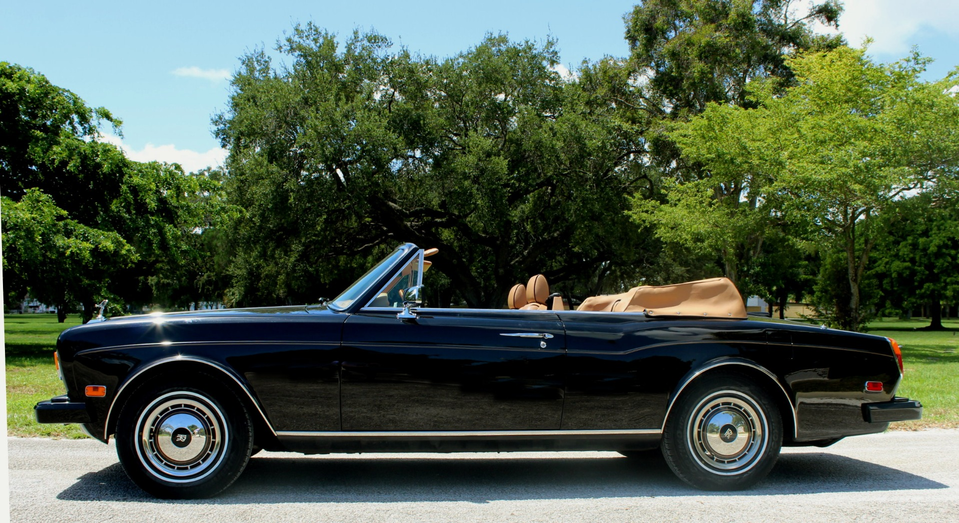 Used-1995-Rolls-Royce-Corniche-IV-2nd-Series--Last-Year-of-Production