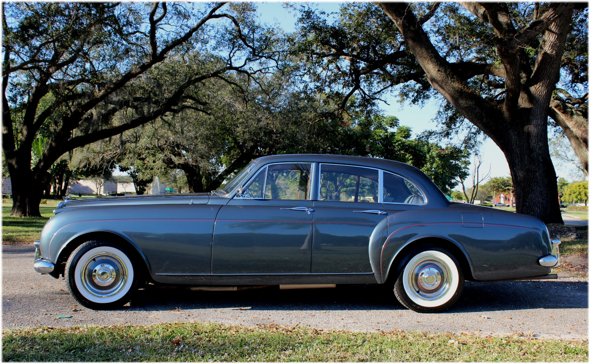 Used-1960-Bentley-S2-Continental-HJ-Mulliner-Style-7508-Flying-Spur