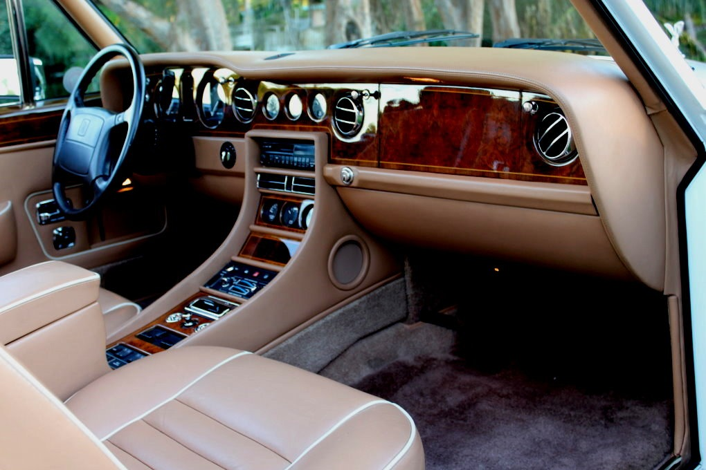 Used-1994-Rolls-Royce-Corniche-IV